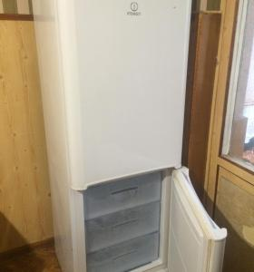 INDESIT  no frost