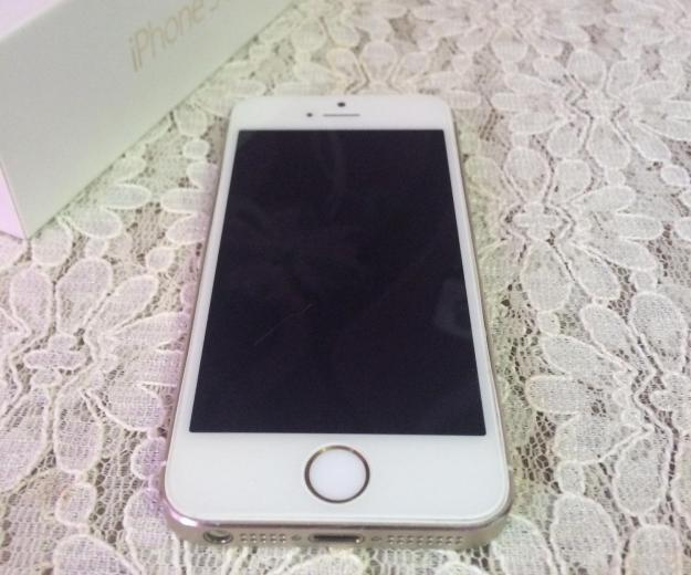 Iphone 5s gold. Фото 1.