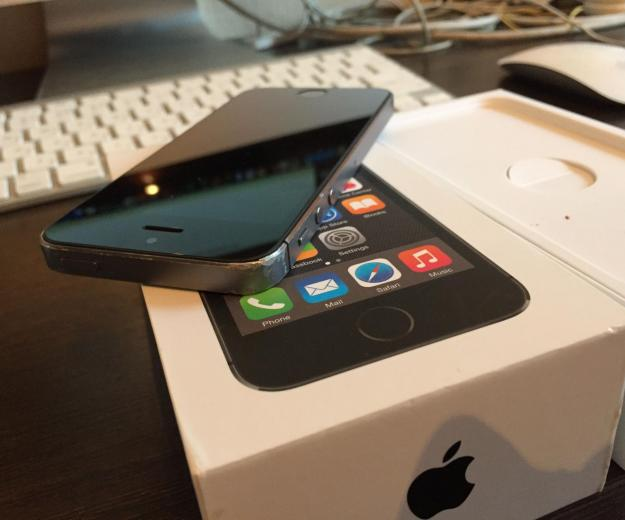 Iphone 5s space gray 16 gb. Фото 1.